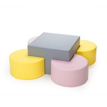 Stoliczek z pastelowymi siedziskami
