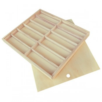 Drewniane pudełko na kredki