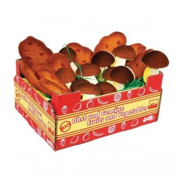 Zestaw grzybów i kartofli w skrzynce kartonowej