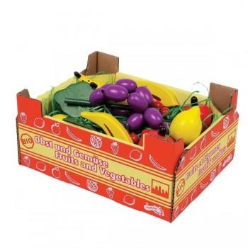 Zestaw owoców w skrzynce kartonowej